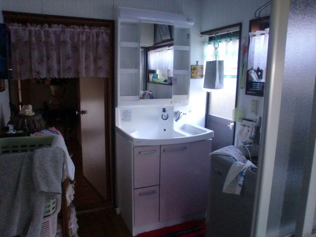 クリナップ洗面化粧台に取替しました。