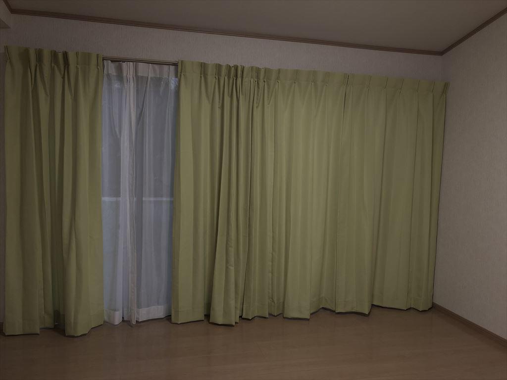 防炎カーテン取付ました。