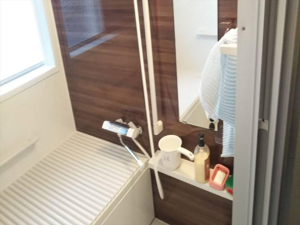 既存浴室をシステムバスに取替ました。