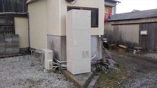 電気温水器から日立の直圧エコキュート460㍑に取替ました。
