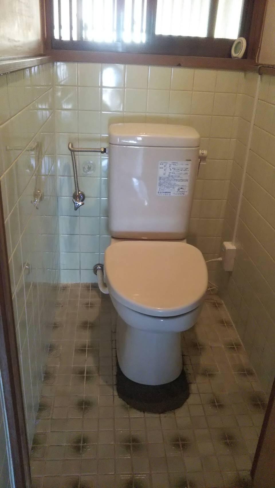 ダイワ簡易水洗トイレに取り替えました。
